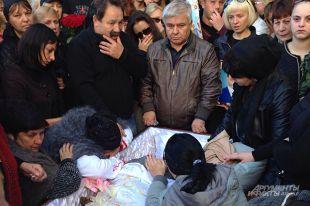 Похороны Толика.