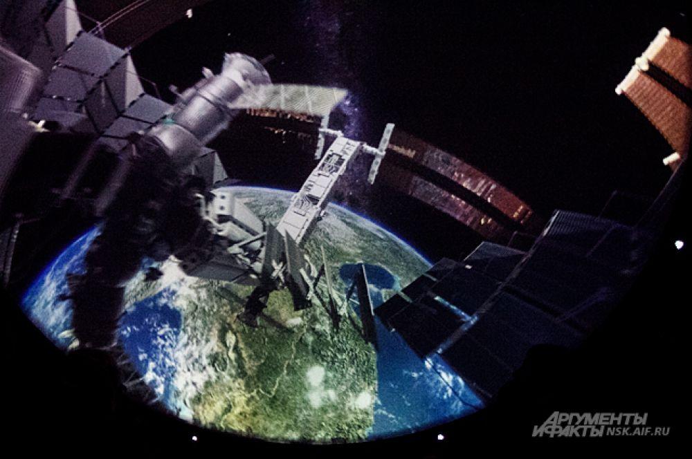 Фрагмент одного из зарубежных полнокупольных фильмов.