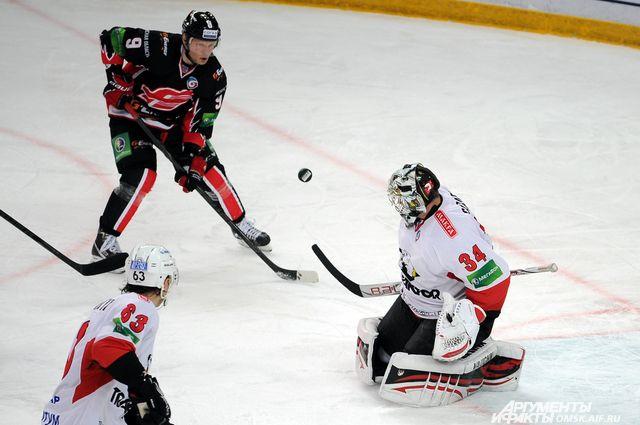 Хоккейный матч «Авангард»-«Трактор» завершился победой омичей.