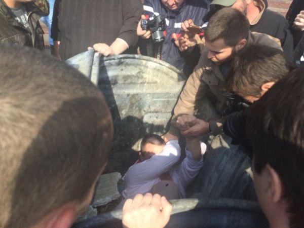 Председатель территориально избирательной комиссии в городе Ирпень Киевской области Алексей Гаврилюк попал под «мусорную люстрацию»