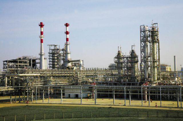 Комплекс, который запустили в 2004 г., позволил заводу первым в России начать выпуск дизельного топлива Евро-4.