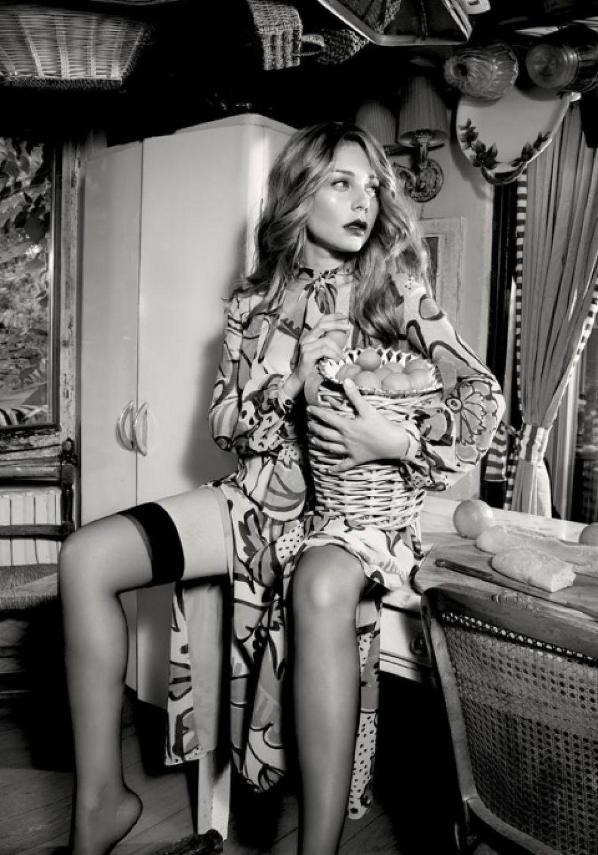 Тиной Кароль стала героиней итальянского фотосета