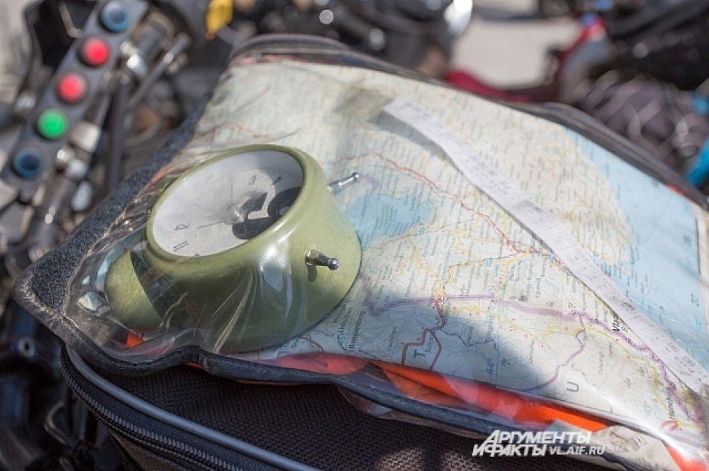 По словам европейского гостя - после карты, будильник самая нужная вещь в дороге.