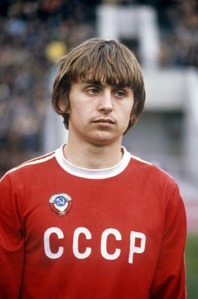 В 1983 и 1989 гг Черенкова признавали лучшим футболистом страны, однако по стечению обстоятельств, связанных в том числе и с болезнью, он не лучшим образом выступал в четные годы, когда проходили крупные международные турниры.