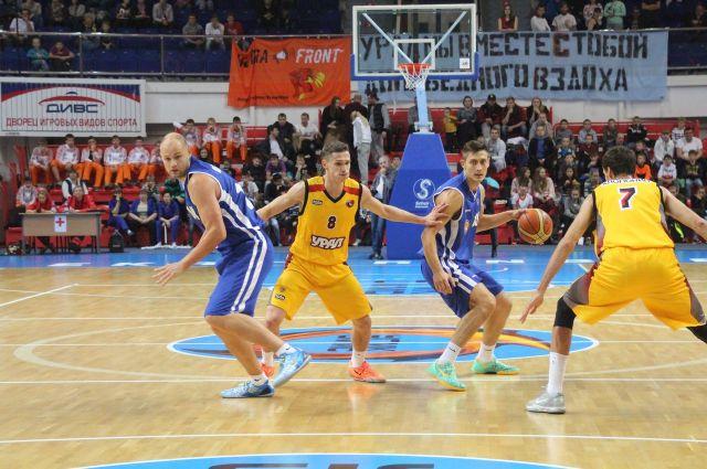 Баскетболисты «Урала» начали сезон с победы над соседями из Ревды