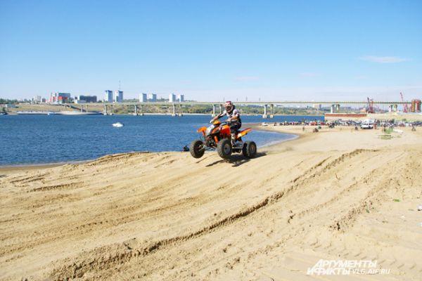 Гоночная трасса была проложена по пляжу хутора Бобры.
