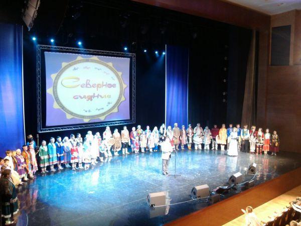 Завершился фестиваль финальным концертом, на котором участникам вручили дипломы и памятные подарки.