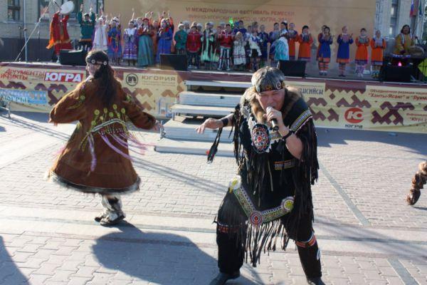 Увидели шуточные танцы народов Камчатки и Чукотки...