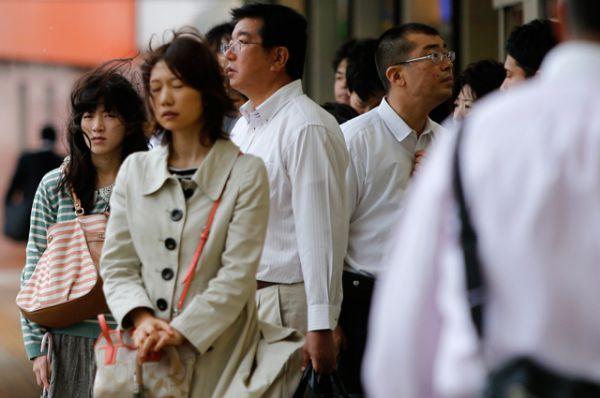 Ожидается, что к вечеру тайфун дойдет до северо-востока самого большого японского острова Хонсю. Уровень осадков может составить до 200 миллиметров в сутки.