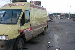 В Новосибирске произошло ДТП с участием реанимобиля