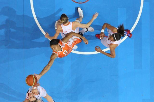 Баскетболистки УГМК одержали две победы на предсезонных сборах