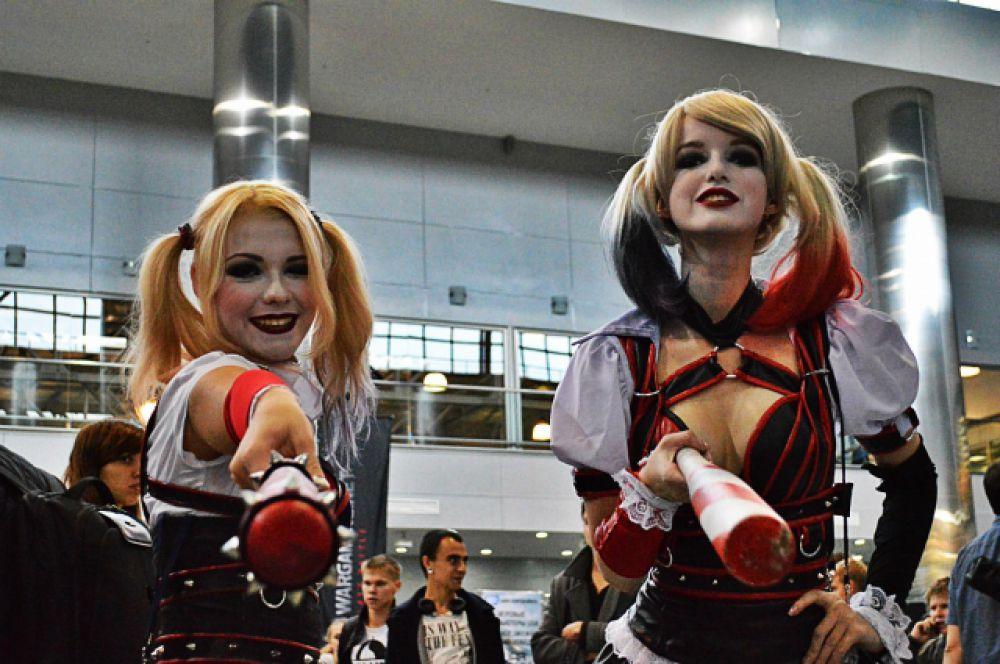 Харли Квинн, подруга Джокера, одного из суперзлодеев - врагов Бэтмена, была одним из самых популярных персонажей косплея на Comic Con Russia.