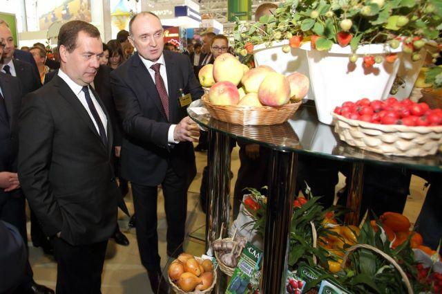 Медведев ознакомился с достижениями южноуральских аграриев.
