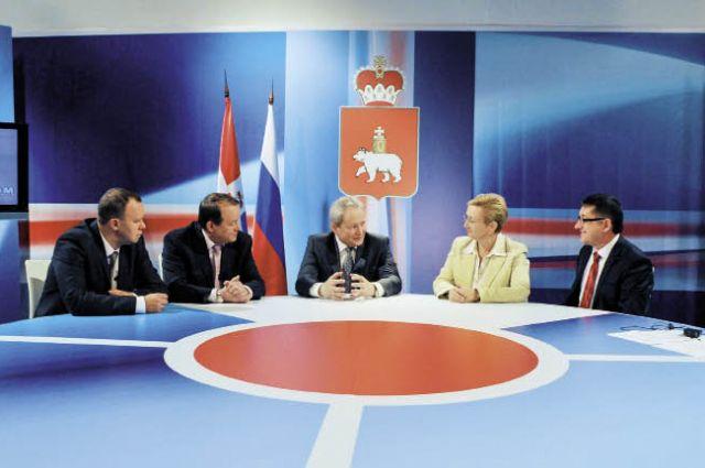 В первой телепередаче Виктор Басаргин и эксперты поговорили о программе здравоохранения в регионе. Ее начали в 2012 г. с бюджетом в 30 млрд. руб.
