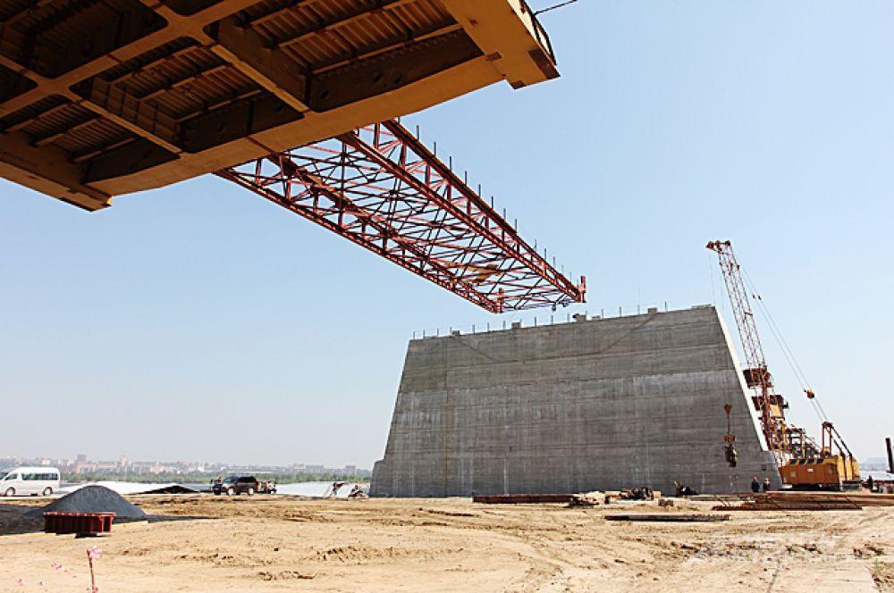 Одни из первых шагов на большом пути. Июнь 2012 года, до завершения строительства больше двух лет.