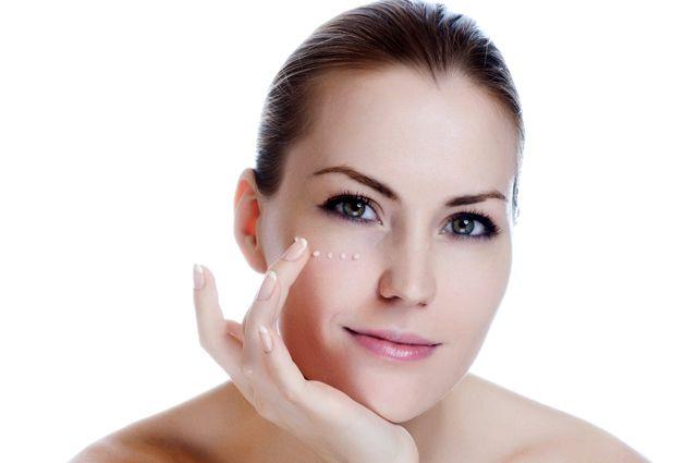 Избавиться от изъянов на коже помогут косметологи-дерматологи.