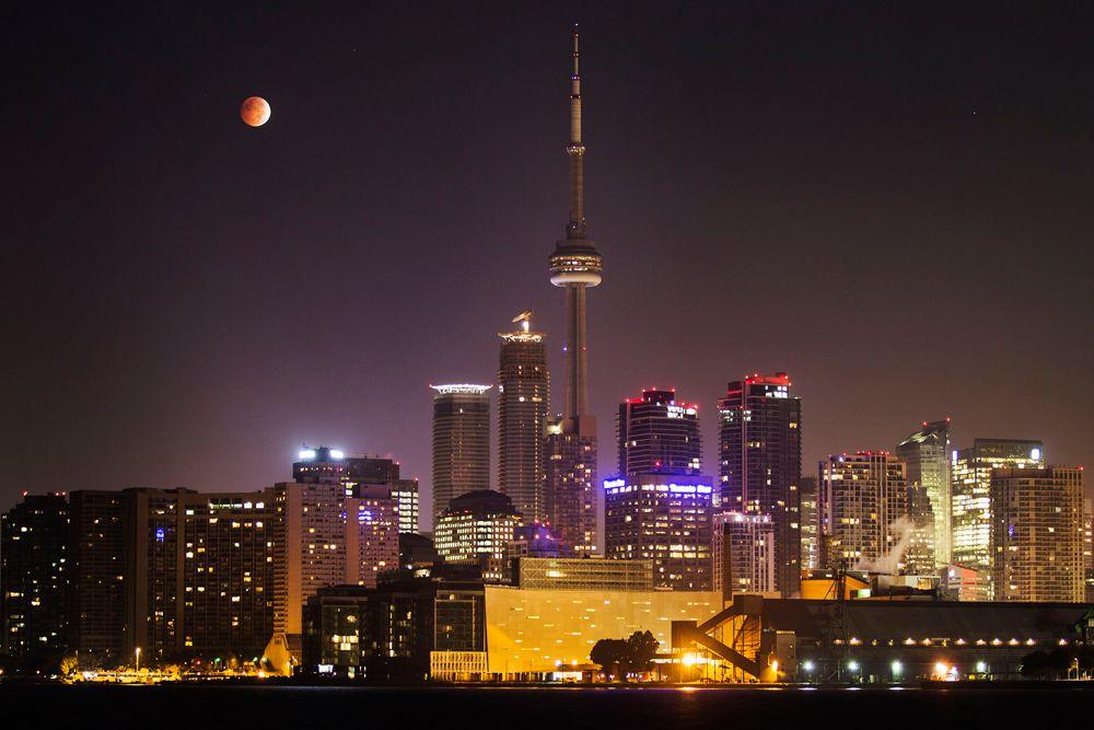 Затмение над Торонто.