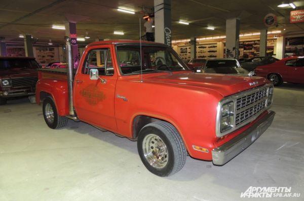 Dodge Adventurer -  - стильный автомобиль, преодолевающий все препятствия.