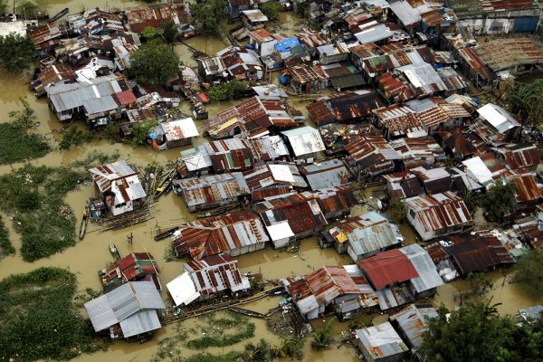 3 октября 2009 года тайфун «Парма», обрушившийся на филиппинский остров Лусон, стал одним из самых мощных тайфунов в этой стране.