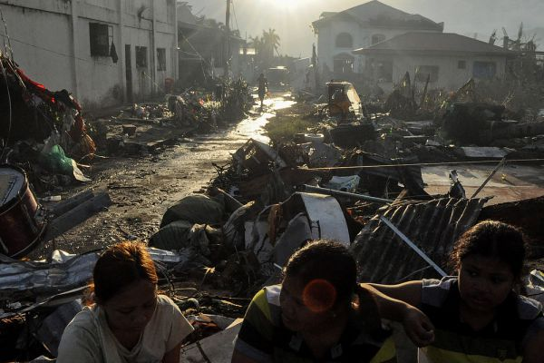 Независимые экономисты оценили разрушительные последствия «Йоланды» в 14 млрд долларов.