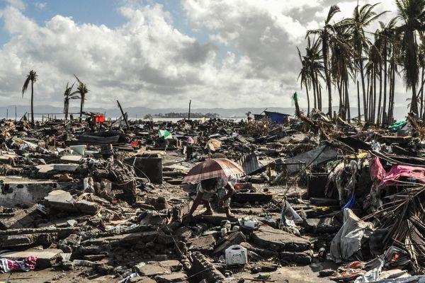 От стихийного бедствия в той или иной степени пострадали почти 16 миллионов филиппинцев. Число жертв самого губительного за всю историю Филиппин супертайфуна составило 6 тысяч 9 человек, без вести пропали почти 1,8 тысячи человек. Восстановление разрушенного или поврежденного тайфуном жилья займет не менее трех лет.