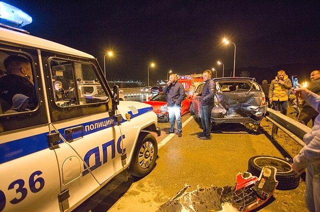 Полиция прибыла на место ДТП.