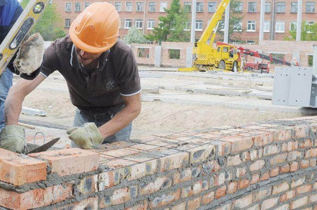 Рядом с историческим зданием построят жилую высотку.