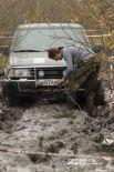 В такой грязи несложно и застрять