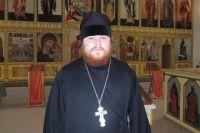 Отец Яков служит в Троицком храме города Пошехонья.