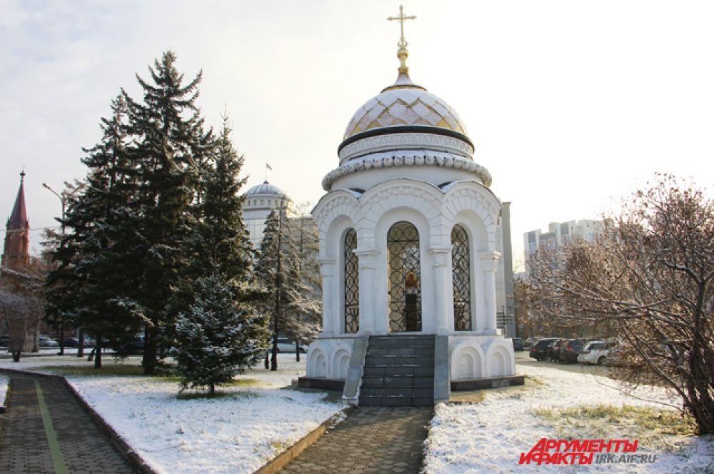 17 атмосферных фотографий с первым снегом в Иркутске.