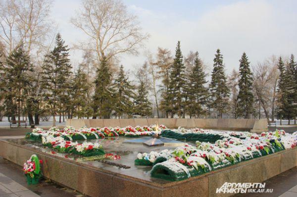 Мемориал павшим воинам словно умылся снегом.