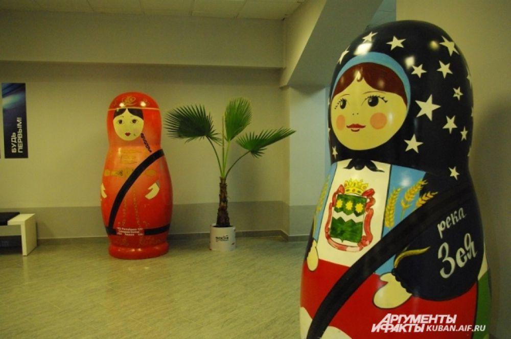 Вместо Русского дома на «Формуле-1» Россию представляли матрешки из разных регионов страны.