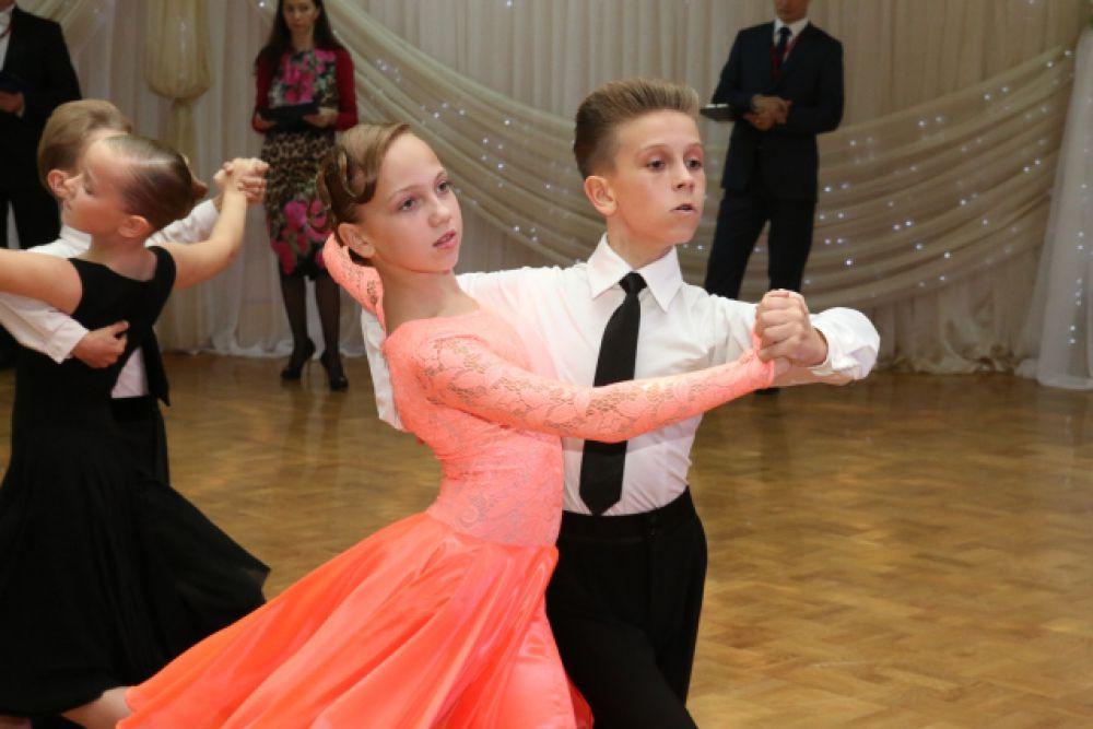 Победители соревнований определялись в нескольких возрастных категориях: «Юниоры-1»,  «Дети-2», «Молодёжь + Взрослые».