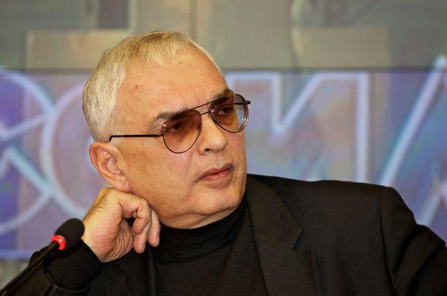 Режиссёр Карен Шахназаров.