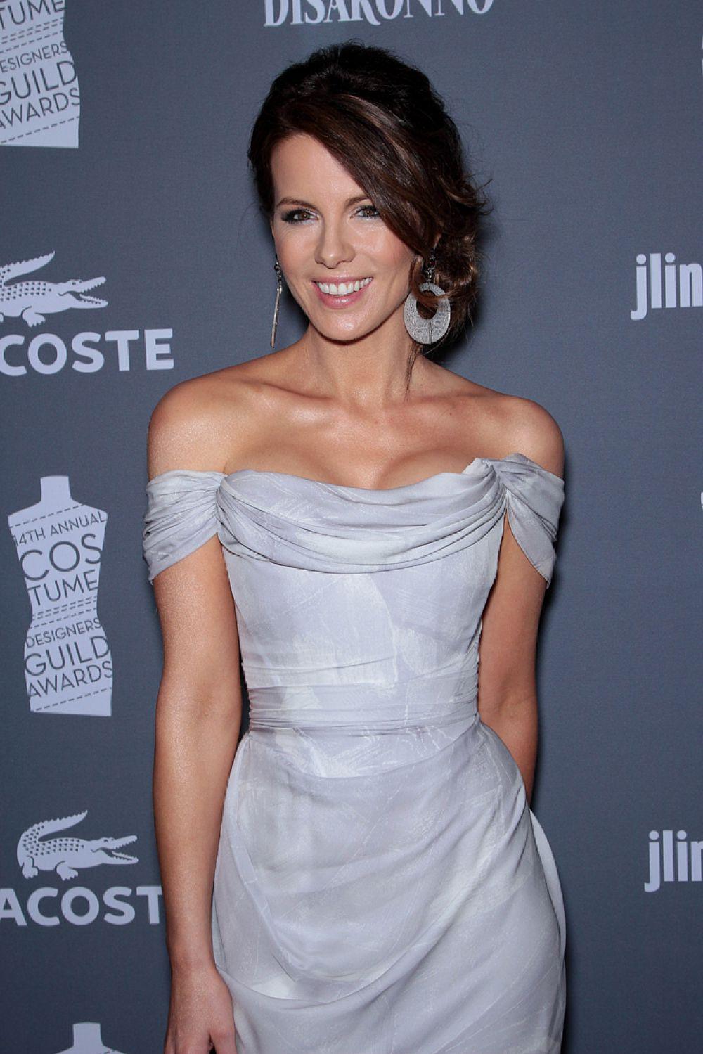 В 2009 году Кейт Бекинсейл купалась в лучах славы после выхода очередного фильма из серии «Другой мир». Ее имя было на слуху, как итог – звание самой сексуальной женщины из ныне живущих.
