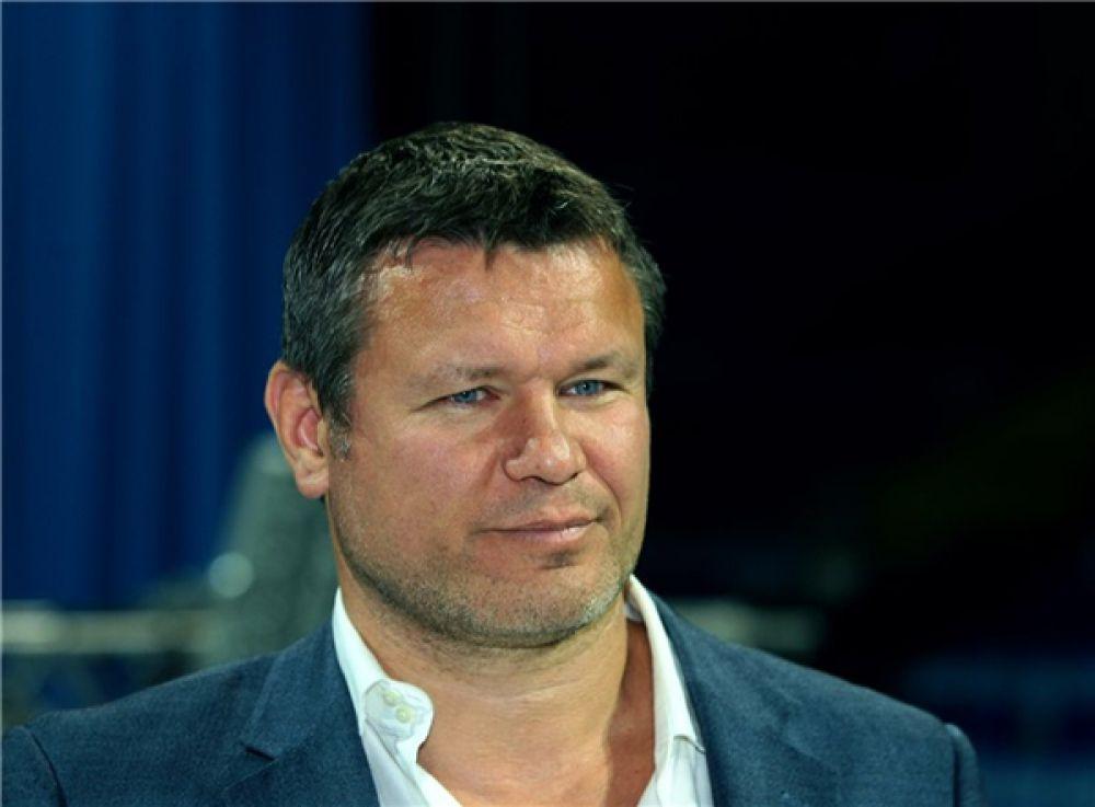 Олег Тактаров родился в Сарове Нижегородской области. Он многократный победитель турниров по самбо и джиу-джитсу и «боям без правил». Сейчас Олег живет в Голливуде и активно снимается в кино.