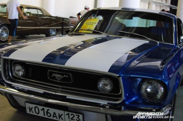 Ford Mustang Fastback.