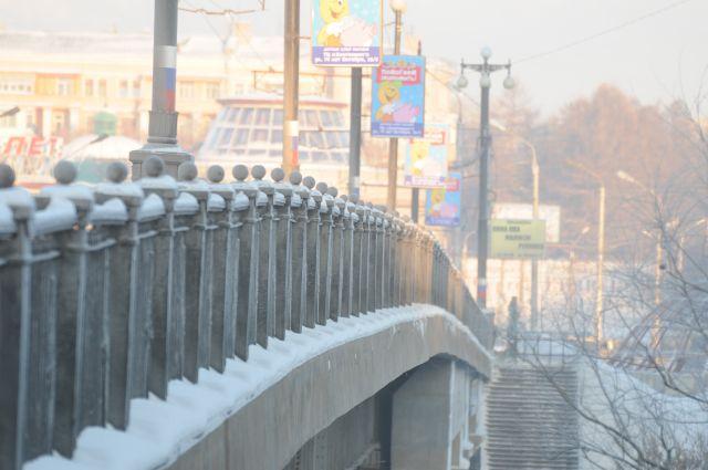 Мосты Омска готовят к наступлению холодов.