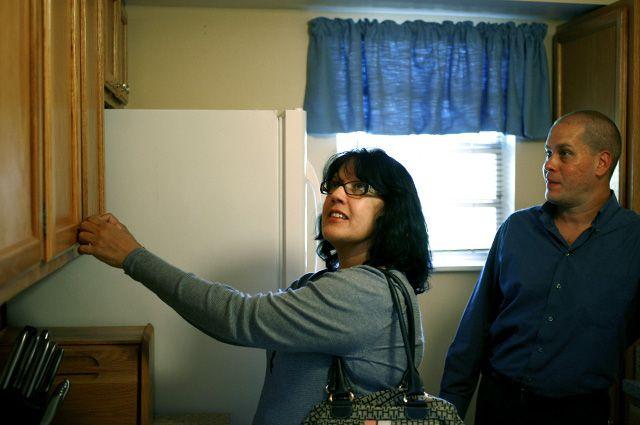Некоторые арендодатели готовы оставить в квартирах бытовую технику и мебель.