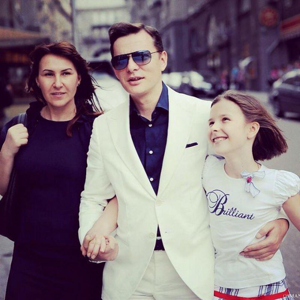 Росита Ляшко – жена лидера Радикальной партии Олега Ляшко, в прошлом работала администратором зала игровых автоматов