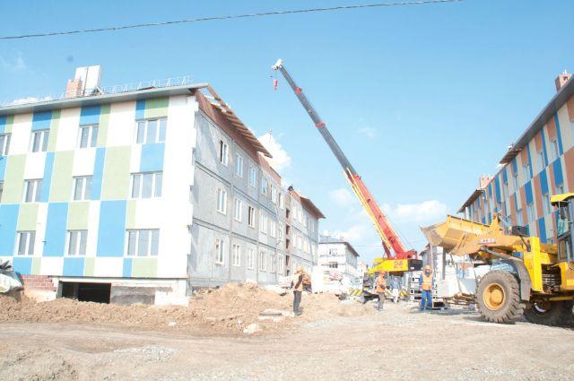 Малоэтажные многоквартирные дома строят для переселенцев из аварийного жилья.