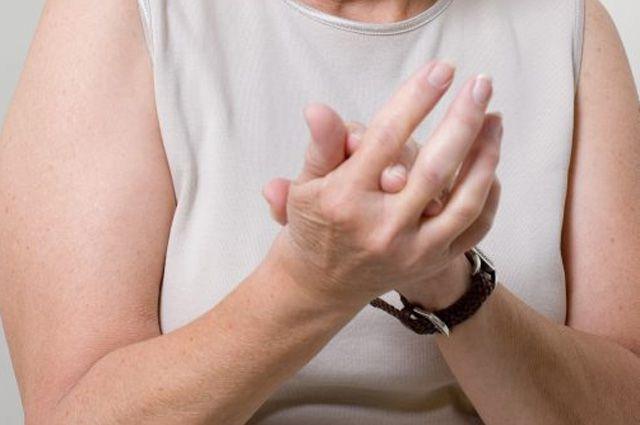 Почему немеют руки и что делать