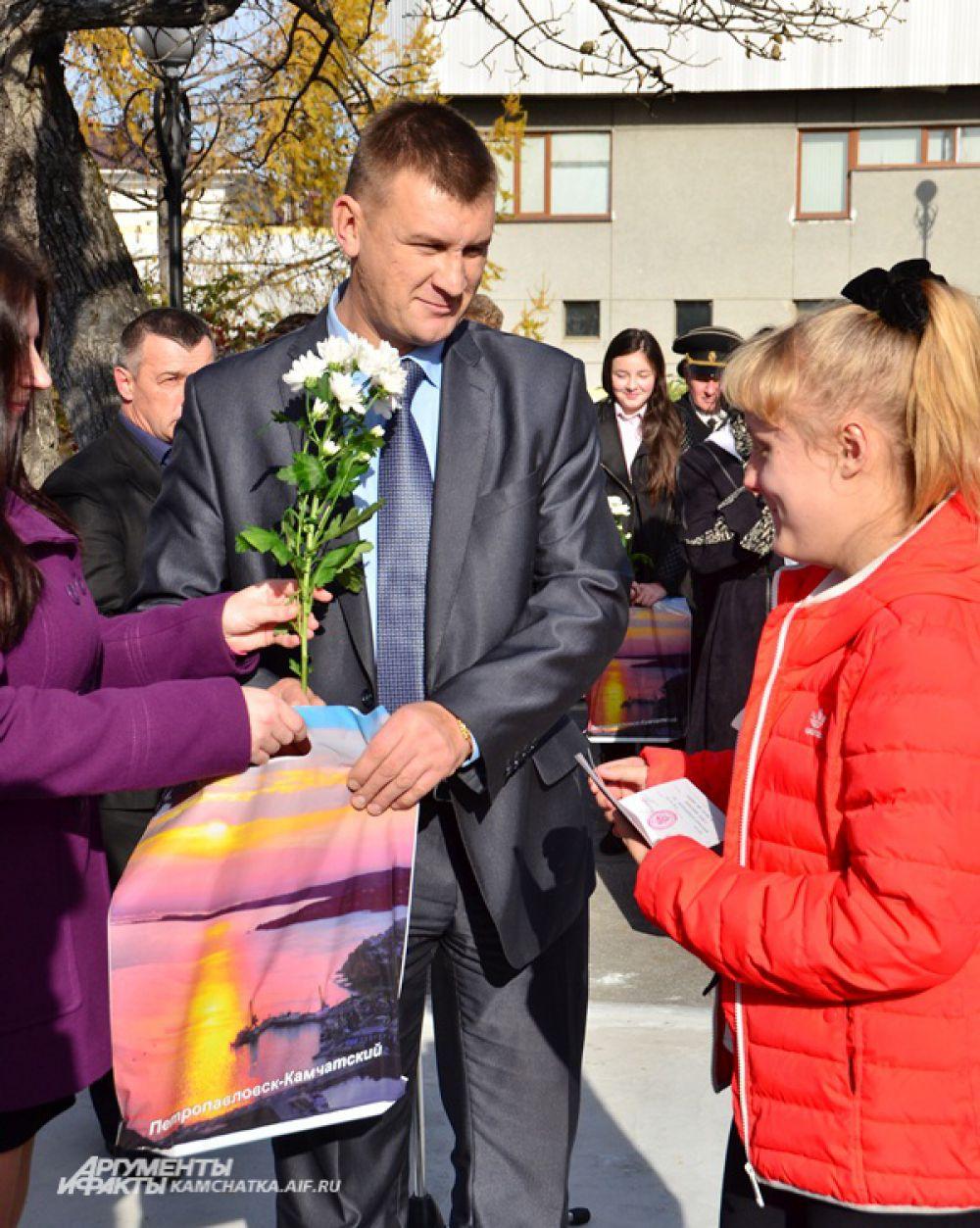 Юным петропавловцам в торжественной обстановке вручили паспорта гражданина России.