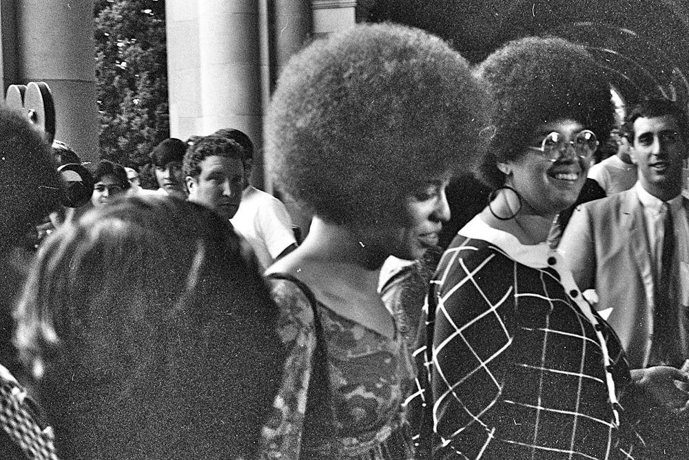 В начале 1970-х годов одним из основных жанров танцевальной музыки стало диско. Диско почти одновременно развивалось в США и Европе. На становление жанра преимущественно повлияли такие стили музыки, как фанк, латиноамериканская музыка и соул-музыка. Для американского диско характерно звучание, близкое к фанку и соулу, в то время как европейское диско тесно переплеталось с традиционной эстрадой и общими тенденциями поп-музыки.