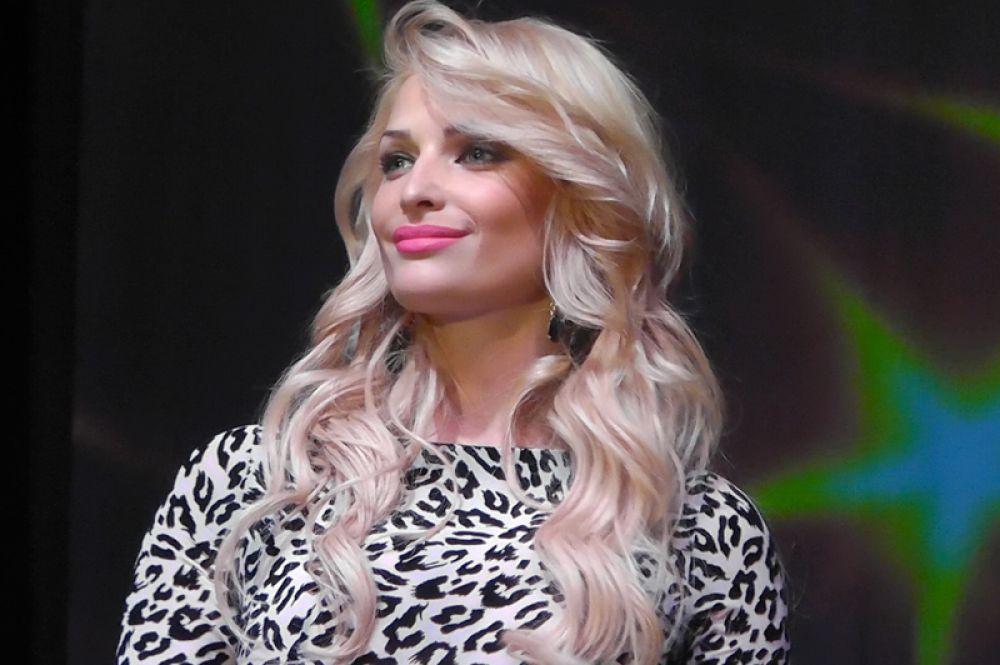 Специальный гость конкурса - певица и актриса Татьяна Котова, «Мисс Россия -2006», экс-вокалиcтка группы «ВИА Гра».