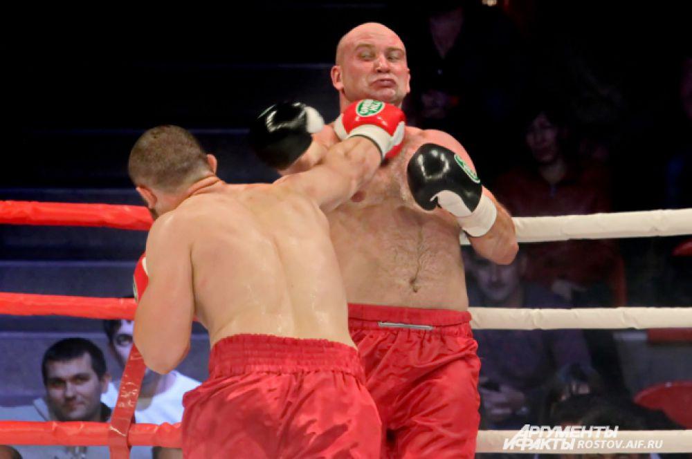Андрей Записов из Батайска, к сожалению, проиграл поединок.