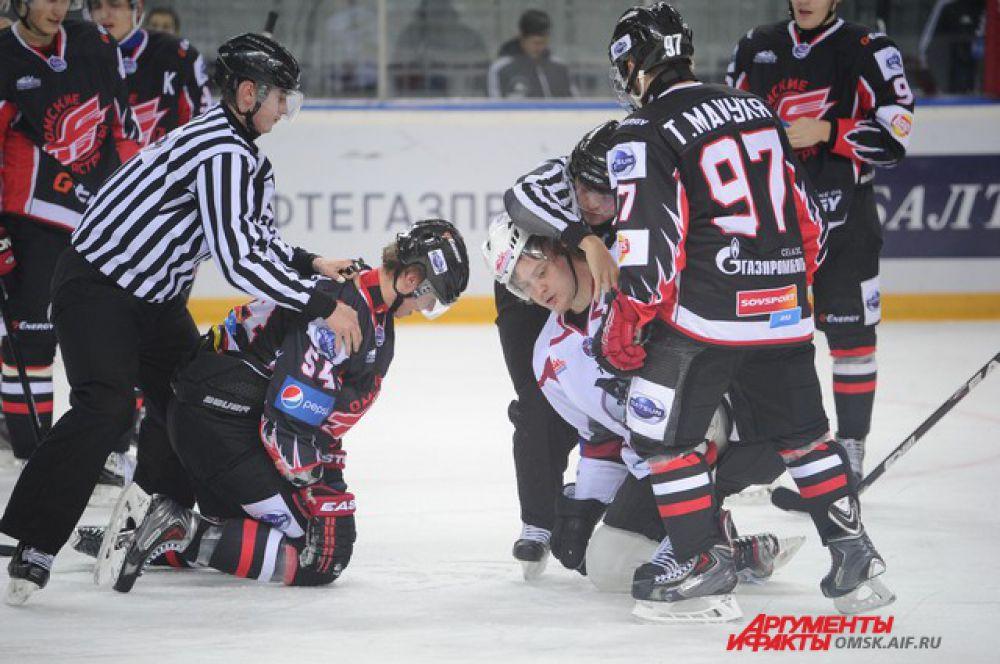 Хоккейный матч «Омские ястребы»-«Тюменский легион».