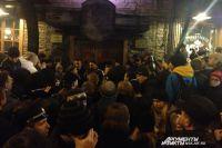 На площадке перед Rock City многие зрители впервые услышали об отмене концерта.