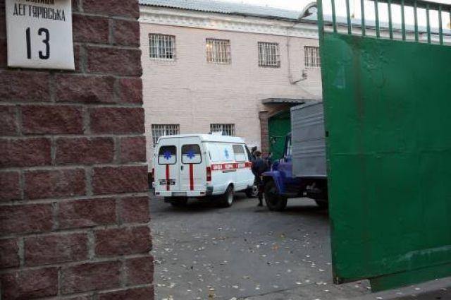 Начальник СИЗО лишился места из-за жестокого избиения заключёнными одного из подозреваемых.