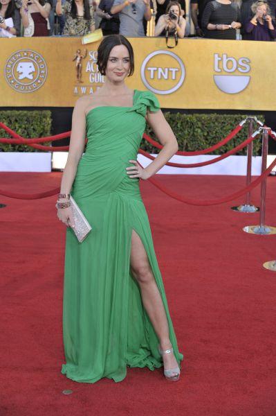 Эмили Блант на красной ковровой дорожке перед церемонией вручения премии Гильдии киноактёров США, январь 2012 года.